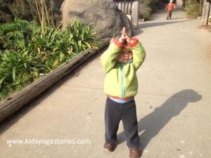 giraffe pose kids yoga stories