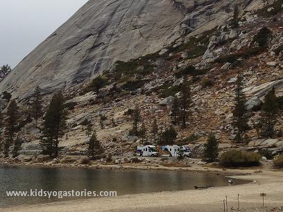 Mountain-in-Yosemite
