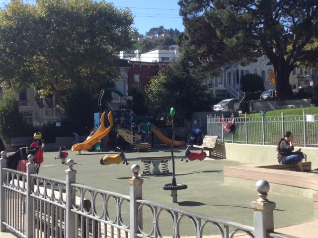 neighborhood_playground_in_San_Francisco