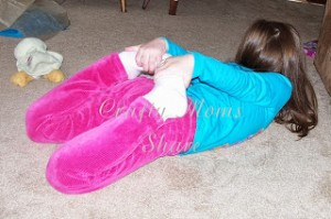 Bow Pose by Crafty Moms Share