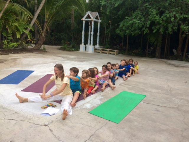 Behavior management in the yoga classroom: working together | Kids Yoga Stories